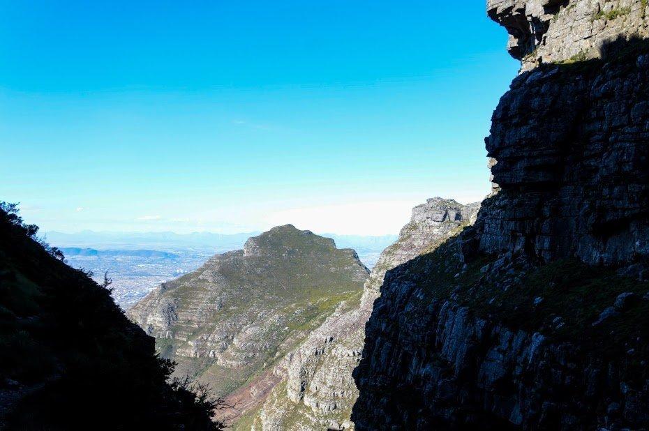 Afunilamento final da trilha da Table Mountain