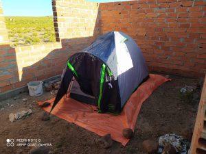 Acampando em obra abandonada - Viajar de moto para a Bolívia
